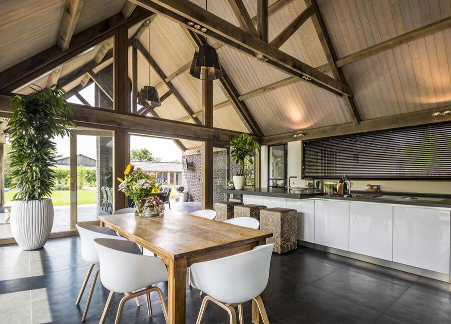 Eikenhouten dakconstructie Keuken inspiratie Houthandel Looijmans